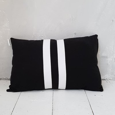 CUSHION Linen ll stripes, black - GOODIES -